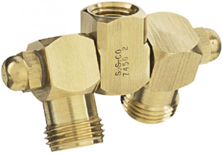 """1/4"""" FPT 2 Outlet Swivel Nozzle Body"""